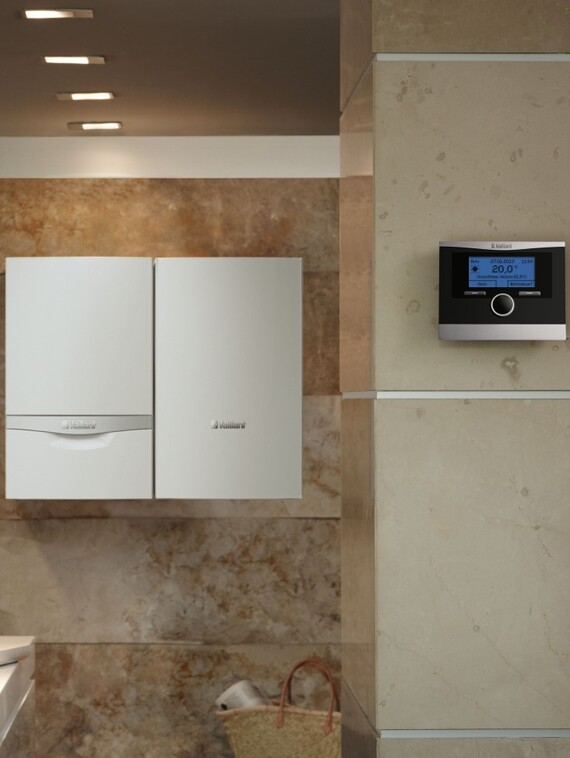 //www.vaillant.pl/media-master/global-media/vaillant/product-pictures/emotion-2/control13-31390-01-45197-format-3-4@570@desktop.jpg