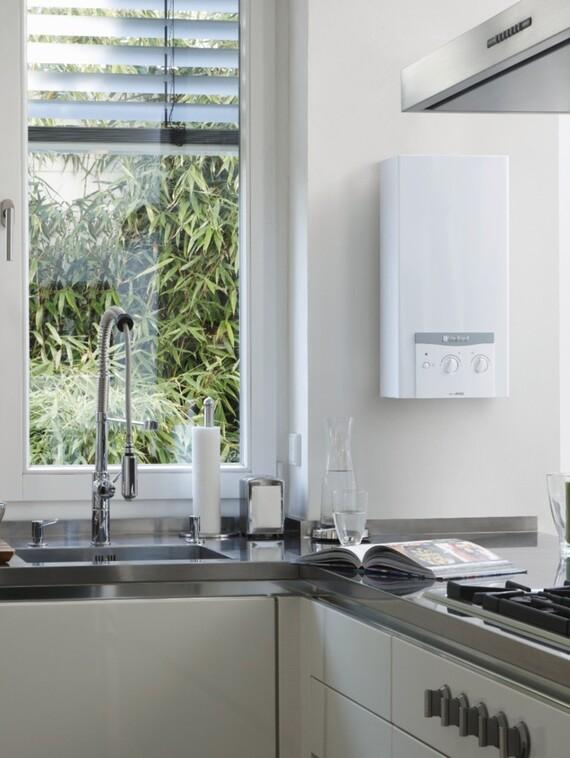 Podgrzewacz gazowy wody w kuchni